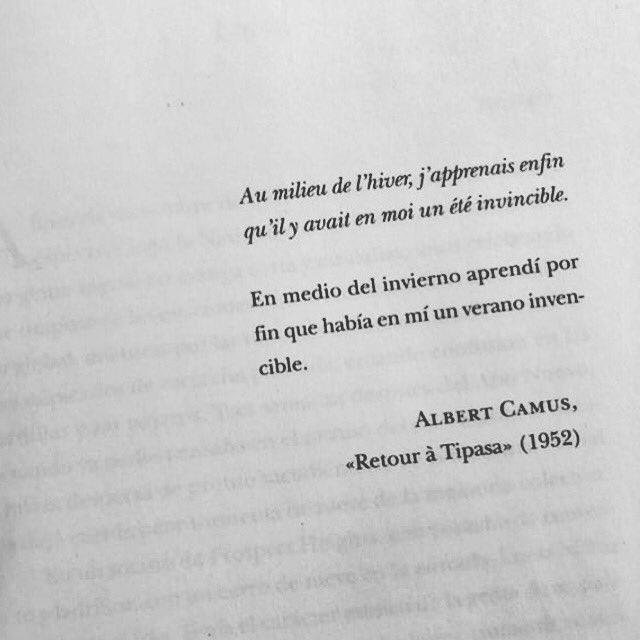 ο χρήστης Cementerio De Libros στο Twitter En Medio Del