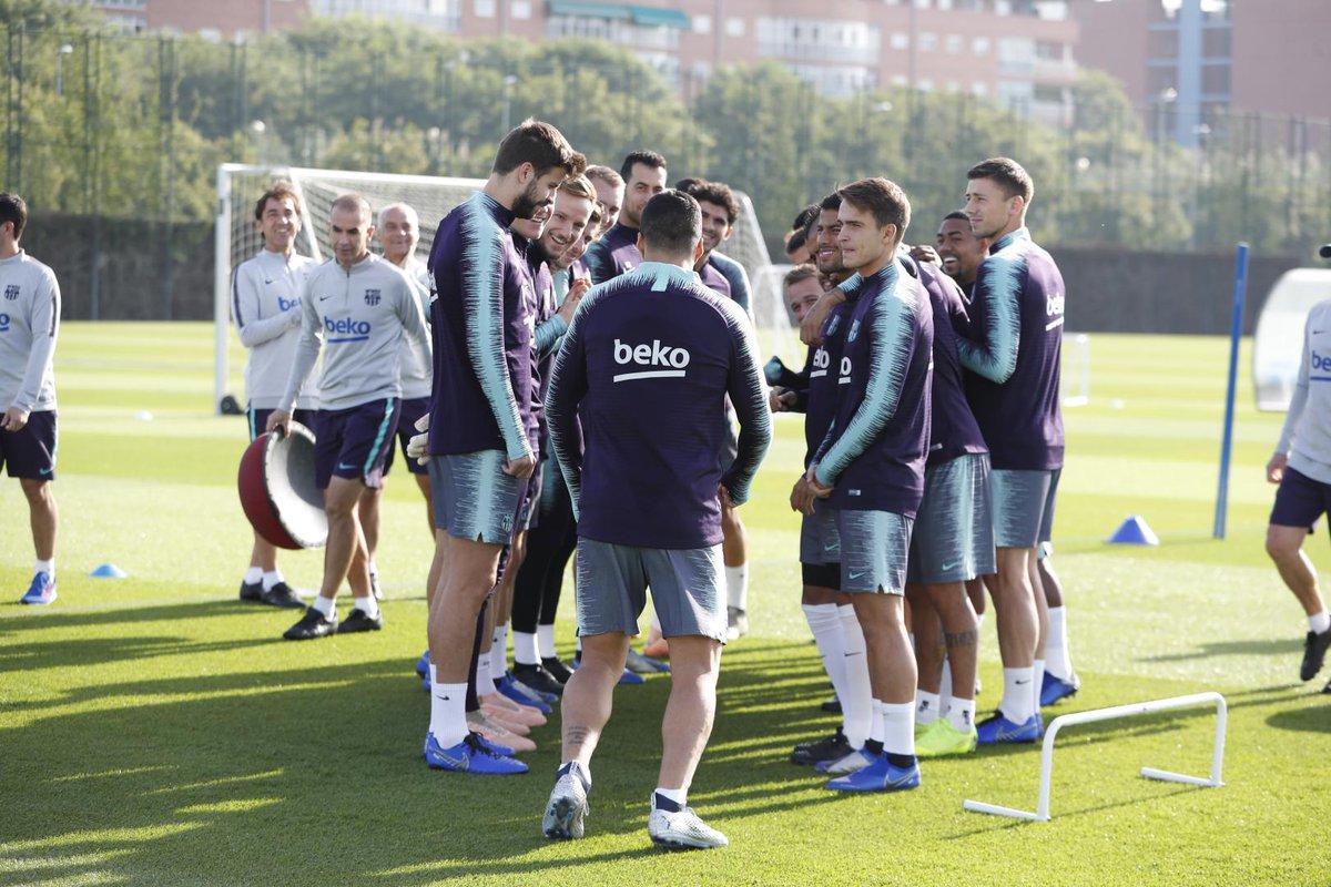 إستعدادات برشلونة لمباراة الكلاسيكو 26-10-2018 DqbPUF2WsAAhPcv