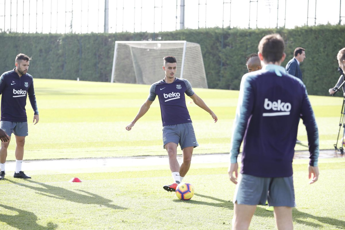 إستعدادات برشلونة لمباراة الكلاسيكو 26-10-2018 DqbPUGCX0AAxMyc