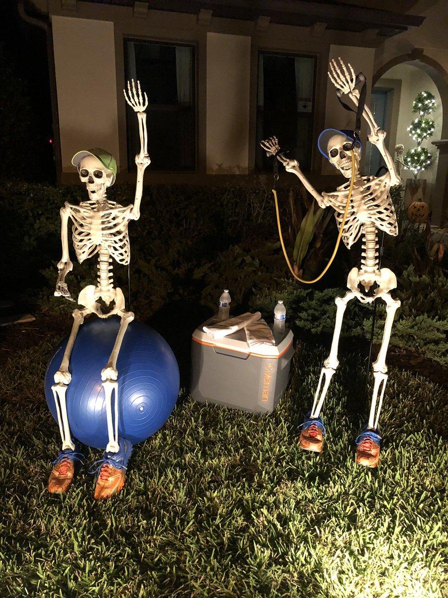 скелеты на отдыхе картинки без