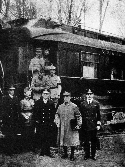 #OTD 100 years ago, an armistice ending #WWI came into effect at 11:00 am, Paris time  For the first time in four years, Europe was at peace  Photo: Signatories of the armistice immediately after signing