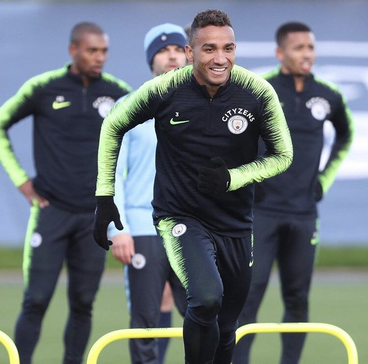Glad to be back with the squad in today's training session!  Hope no more injuries for a long time 😂🙏🏽 🔵 #sólazer #mancity #3D @ManCity