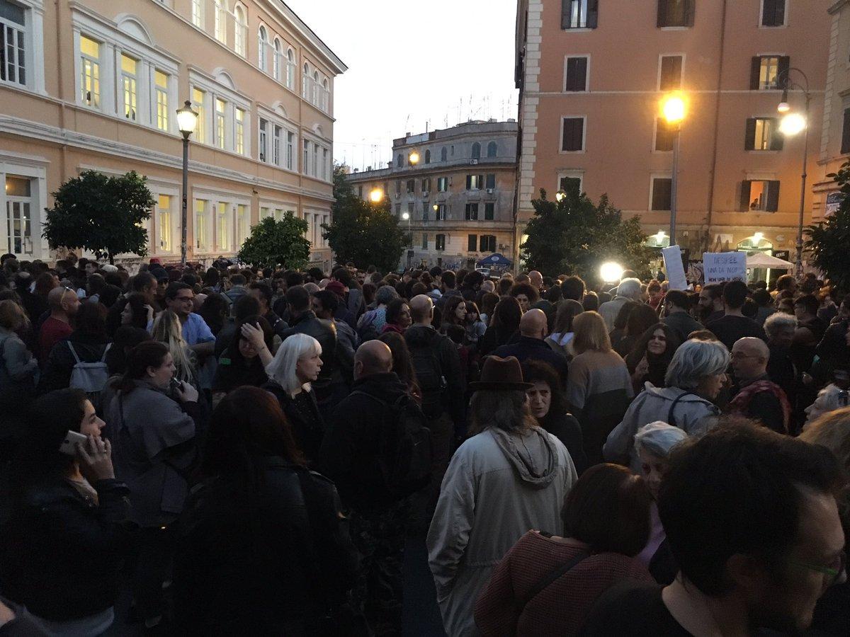 test Twitter Media - #26O #roma #SanLorenzo la piazza è già piena #nonunadimeno Desirée una di noi https://t.co/iUXLx17X2s