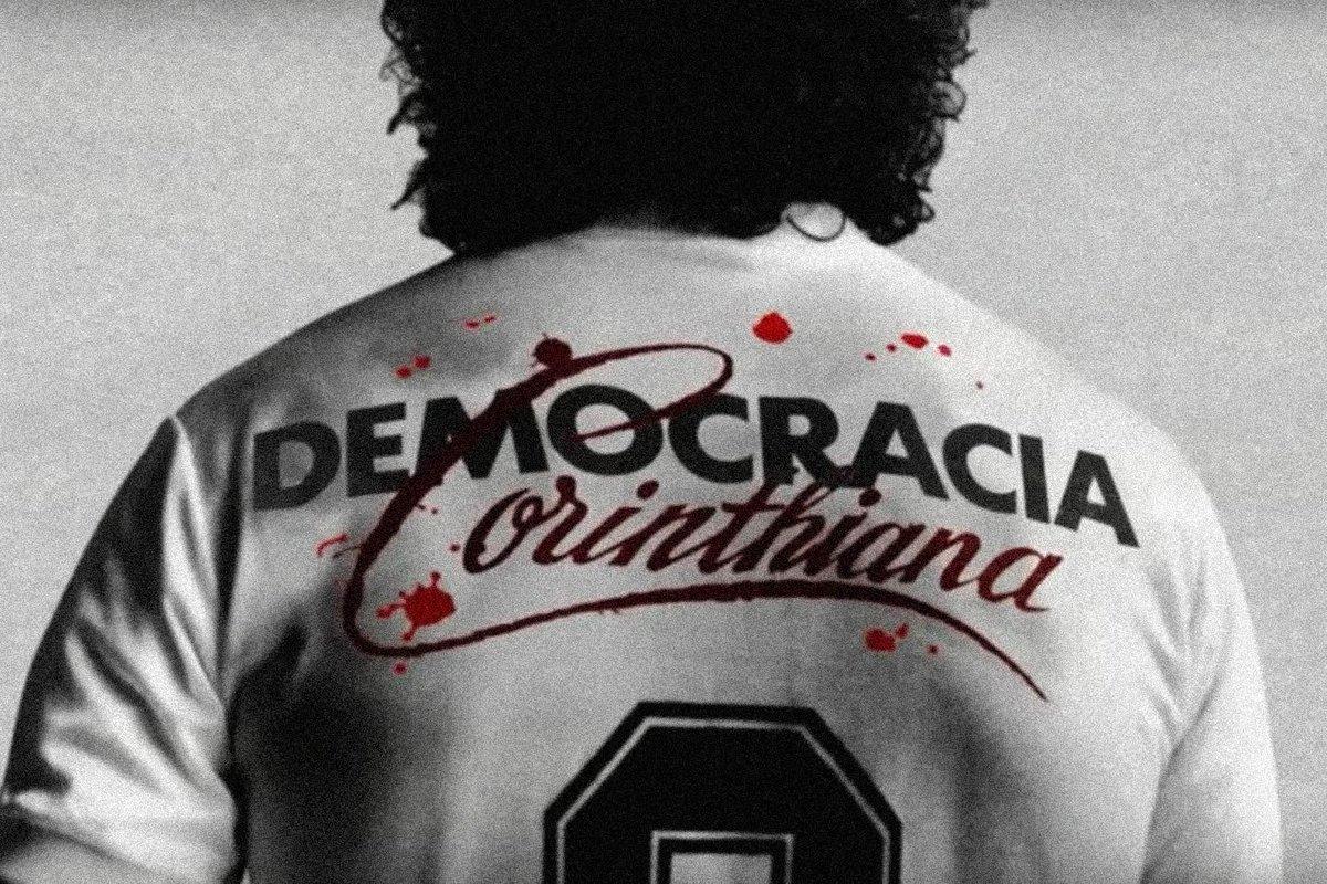 Lutamos muito pela democracia. Lutamos muito pelo direito do voto. Hoje temos mais uma oportunidade de exercê-lo! Vote com consciência!   #DemocraciaCorinthiana