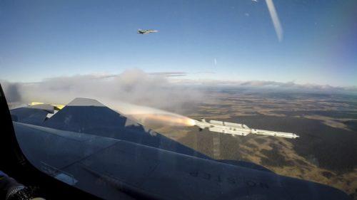 المقاتلة ساب جريبن SAAB Gripen E - صفحة 5 DqenD9BVYAAFa6S