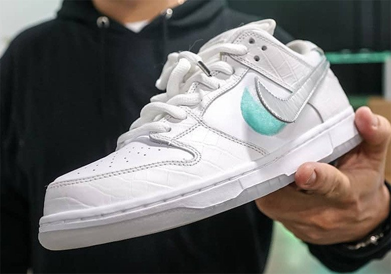 wholesale dealer 0b8cb f5dc6  Diamond Supply Co  Reveals A White  Nike SB Dunk
