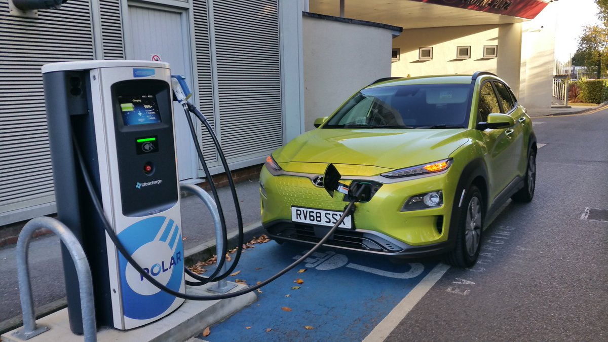 What a Car ...100% 😍😍😍😍😍😍..THE Kona Electric..here on the test drive @ChargemasterPlc @bp_uk @CrownePlaza Gatwick...on the Rapid .. 300 mile range.. Kona @hyundai @WillFealey @KateFantom