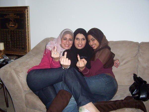 iranlan-wife-big-nude-people