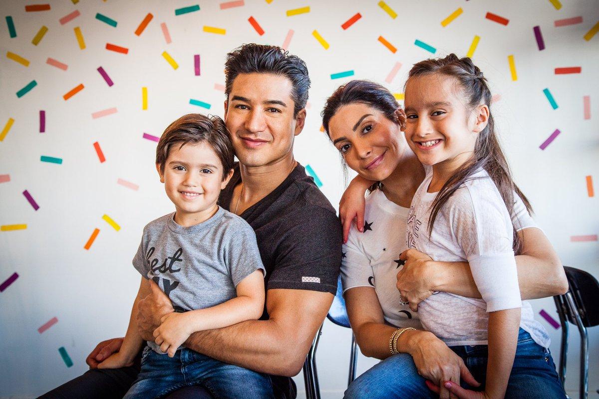 wife mario lopez family