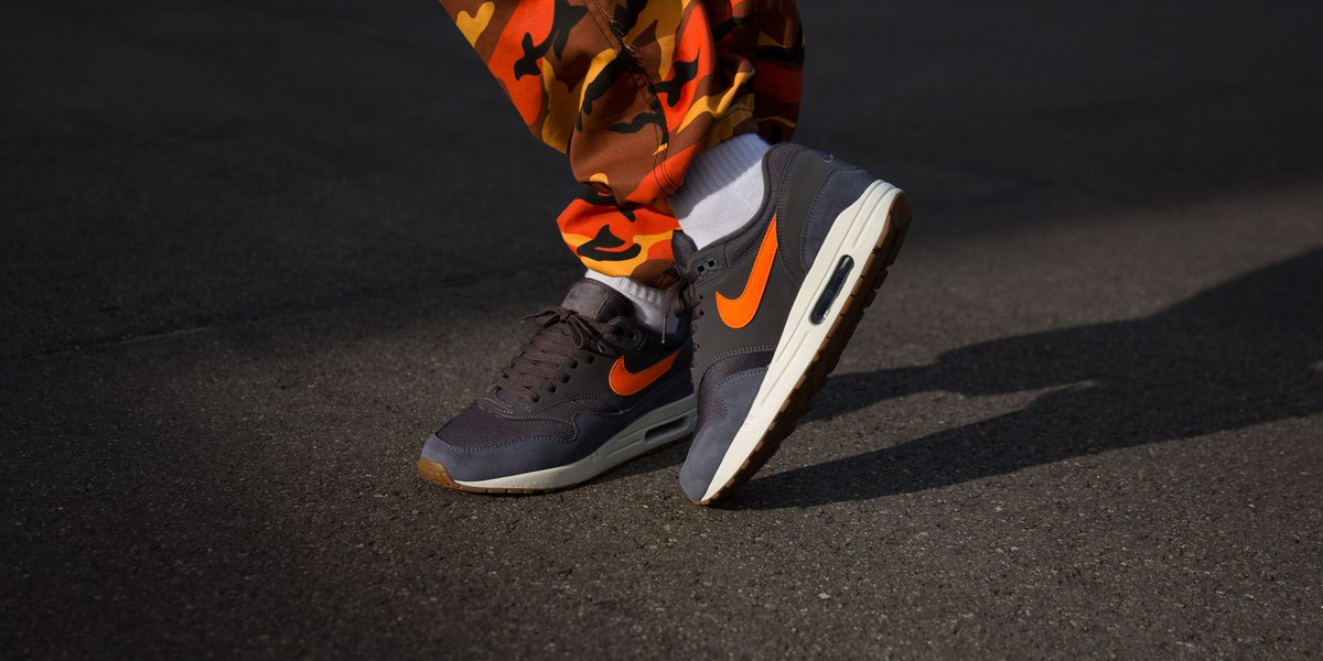 nike air max 1 thunder grey orange