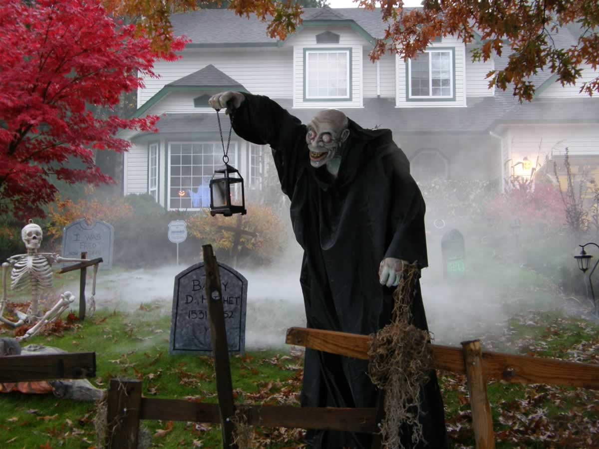 Remax Lilium On Twitter Scary House Garden Decorations Trickortreating Hy Horror