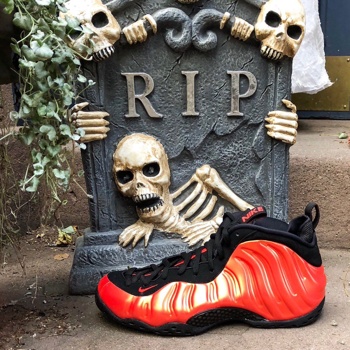 ef877274f16 ... reduced the nike foamposite habanero red just dropped at jimmy jazz  grab your pair now before