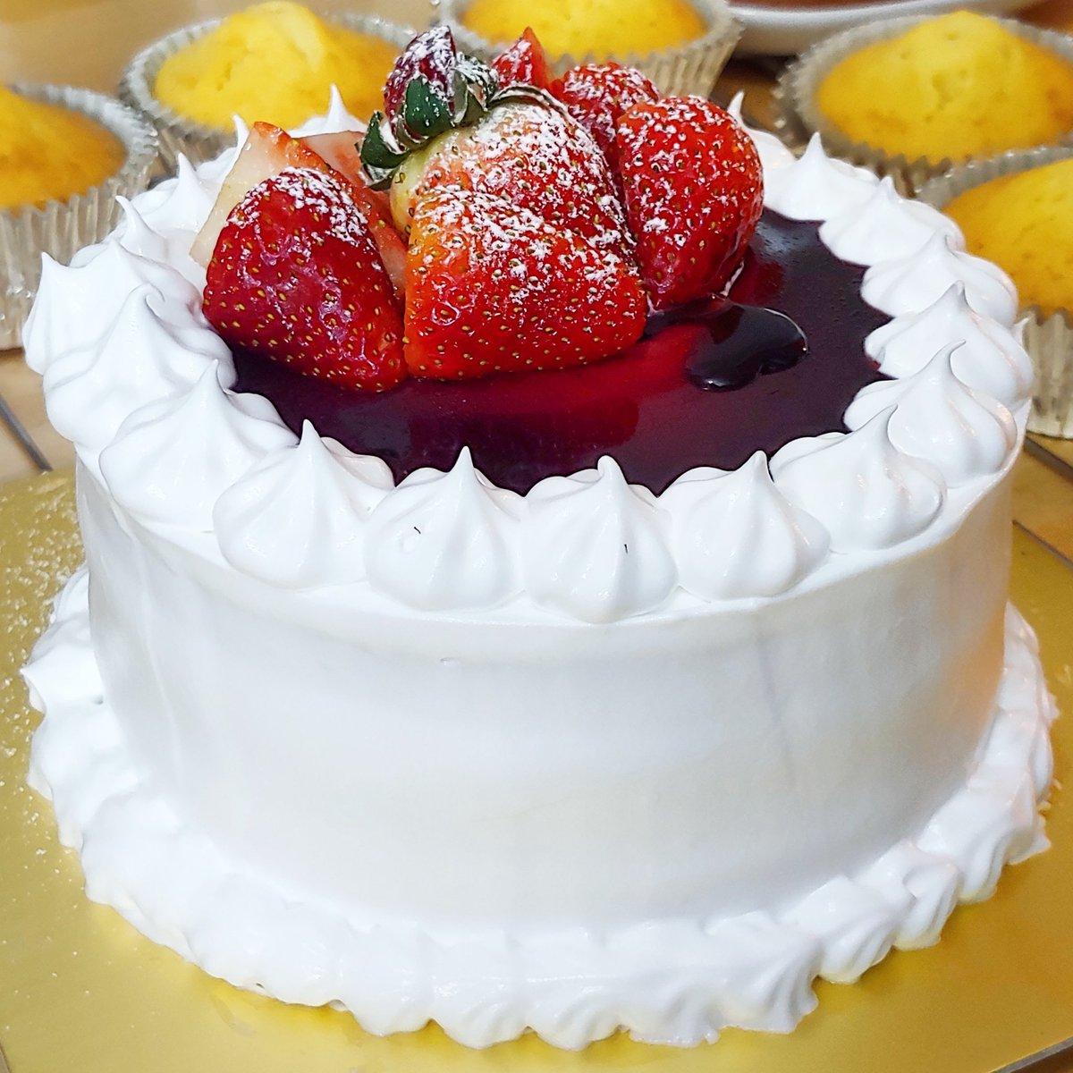 Jam Sauce Vanilla Cake Bangkok Bakery Baketoorder Delivery Birthday Bake Baker Bangkokbaker Onlineorderpictwitter BM4R6cTdhM