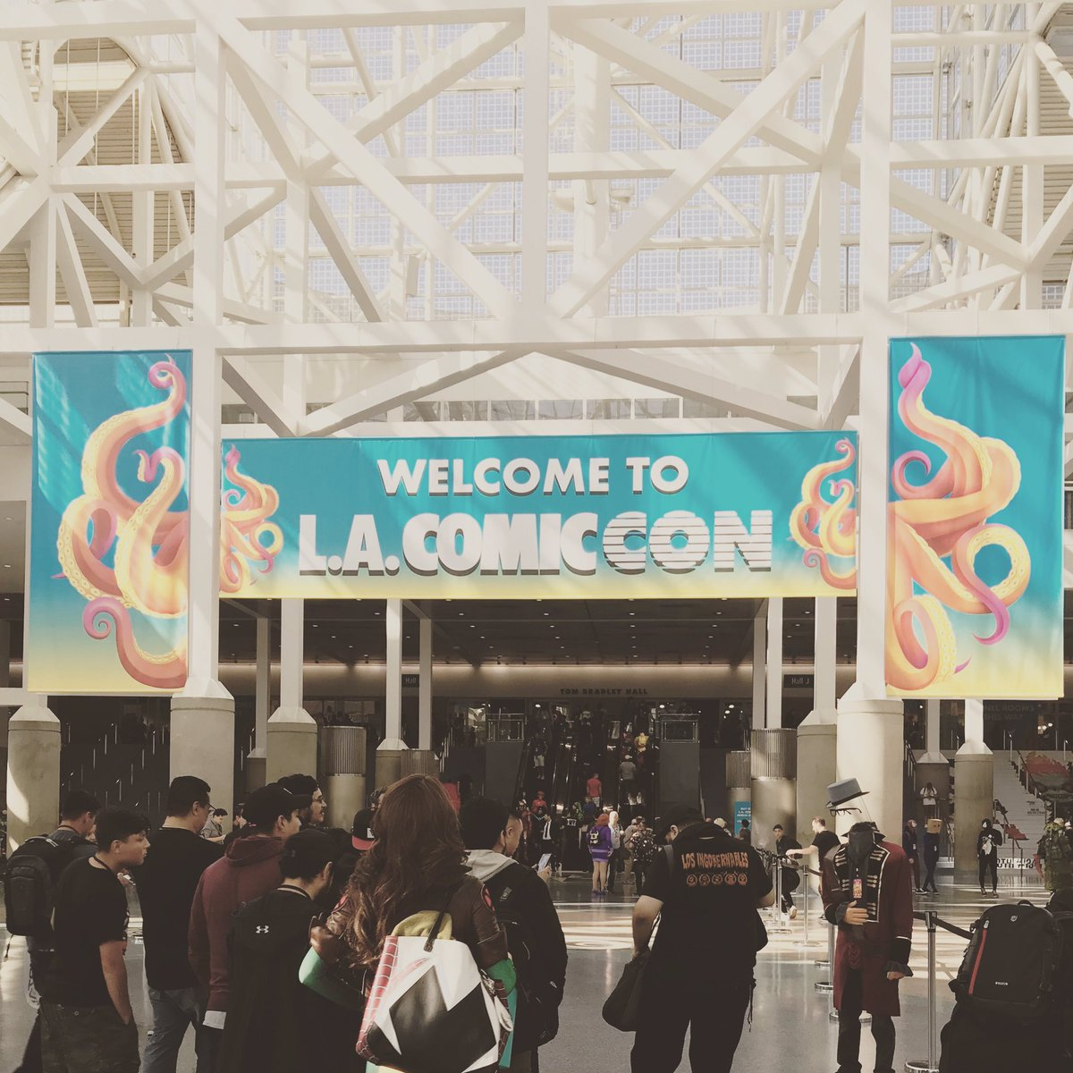Hey LA COMIC CON! Thanks for inviting us to explore 'The Game Makers' series with aspiring game designers and directors today! It was great to be part of the busy event! #thegamemakers #comiccon #storyingames #losangeles #gamedev #gamedesign