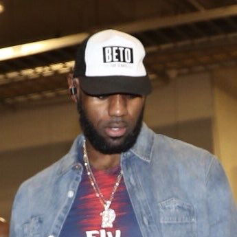 LeBron James sporting a @BetoORourke hat in San Antonio tonight. Beto is running for the Senate seat in Texas that Ted Cruz holds right now.