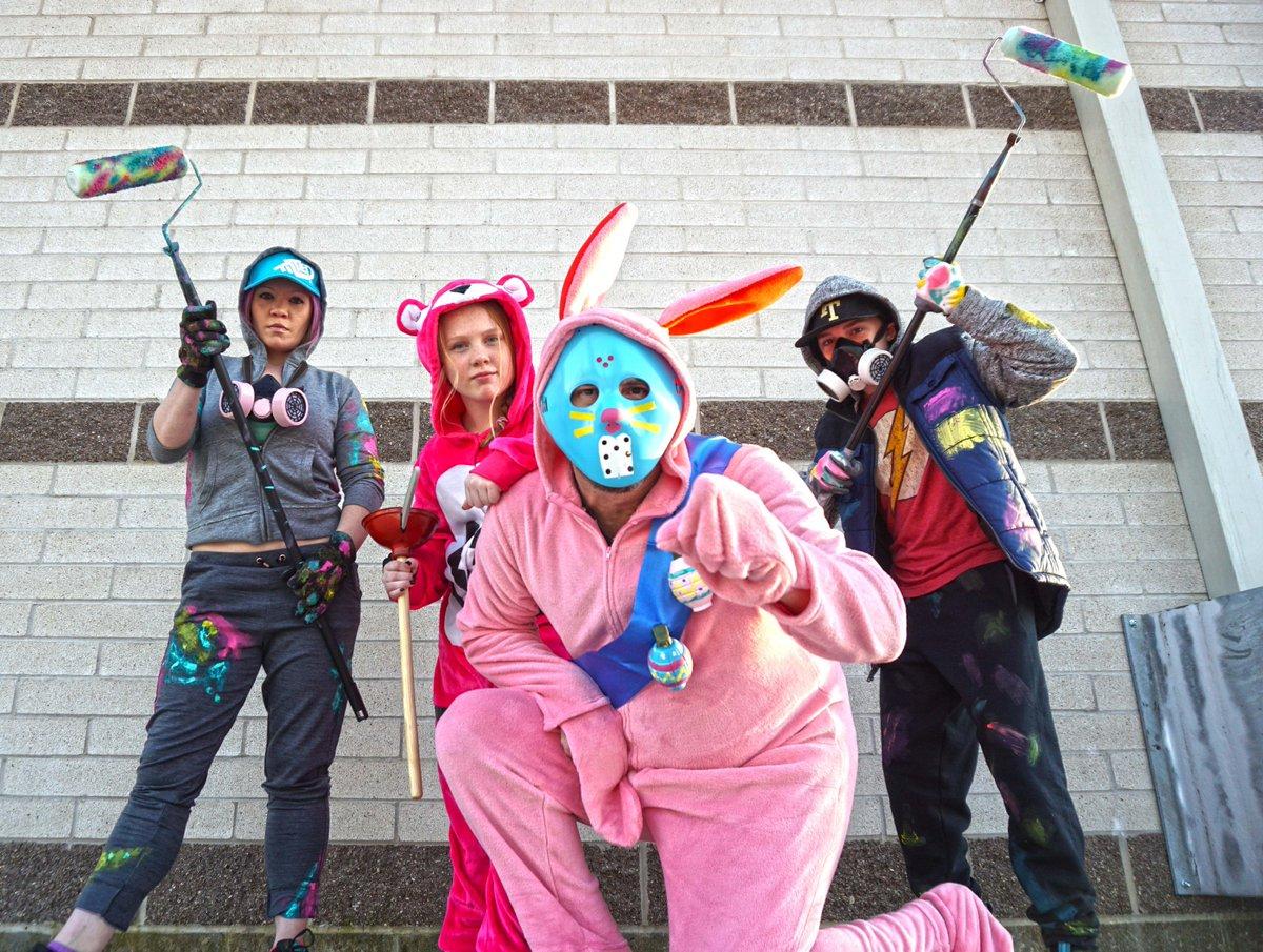 Fortnite Family Halloween Costumes.Strange Level On Twitter My Family Fortnite Costumes