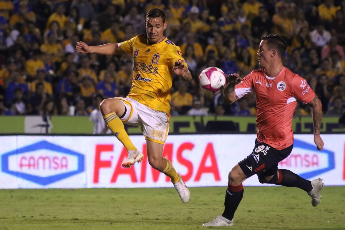 Cruz Azul igualó 0-0 ante las Águilas del América J14