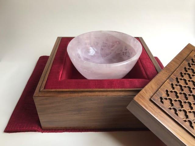 PM Modi presents Khambhat made gift to Japanese counterpart