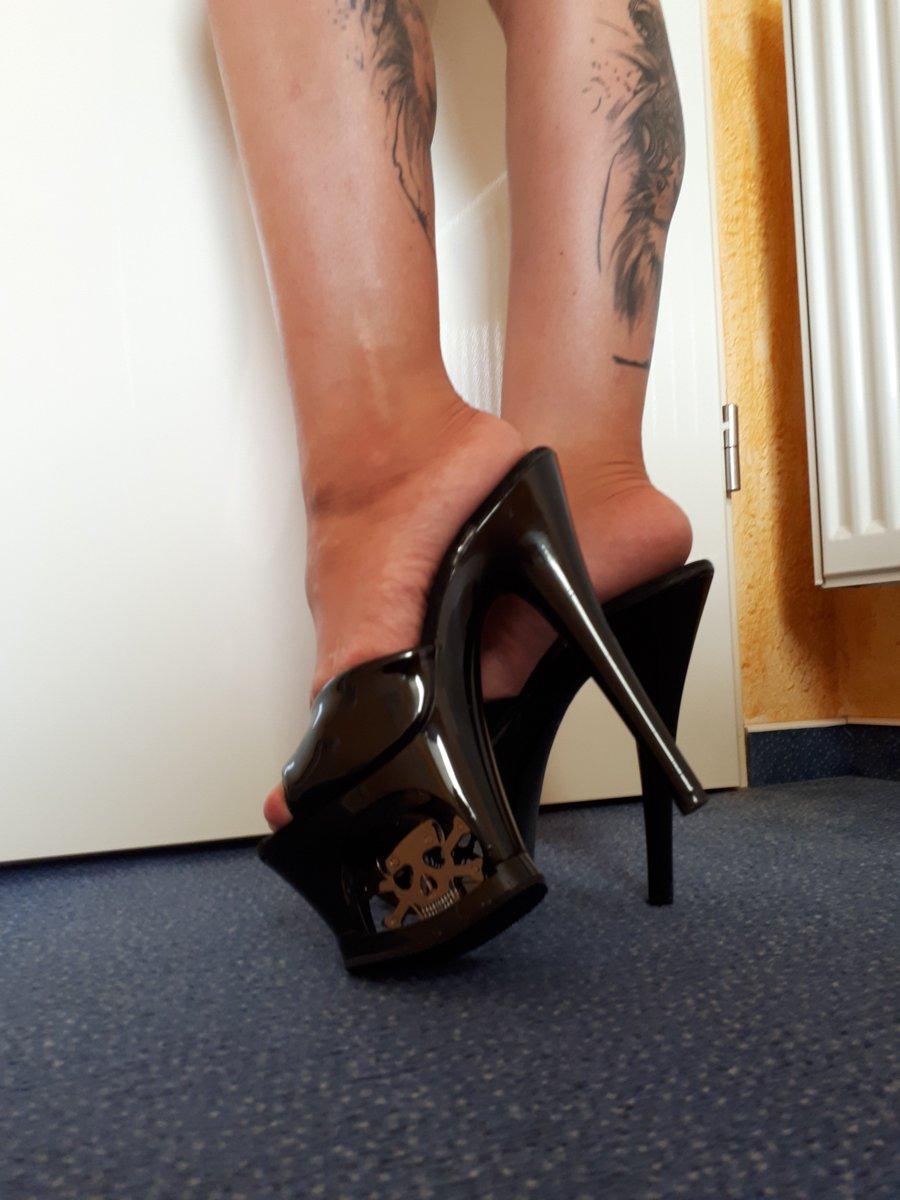 Sexy Beine mit sexy High Heels