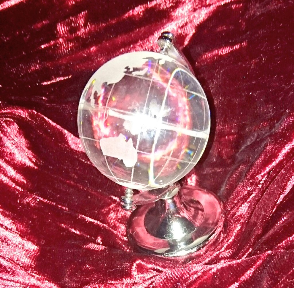 test ツイッターメディア - #キャンドゥ で見つけたガラスの地球儀 https://t.co/MIkm8vBtsY