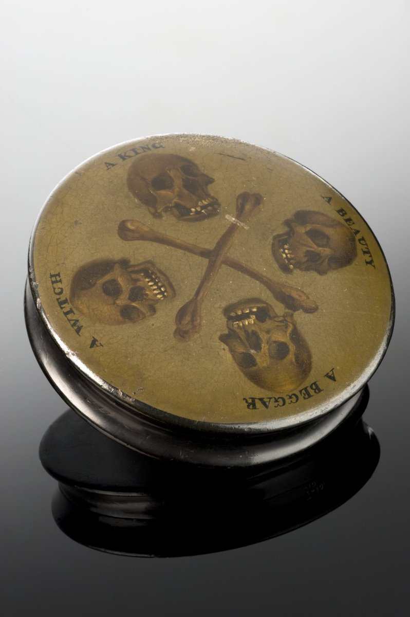"Soniasuponia on Twitter: ""Wooden snuff box, Europe, 1701-1900. 4 skulls  labelled a Beggar, Witch, King & a Beauty are common designs found on snuff  boxes."