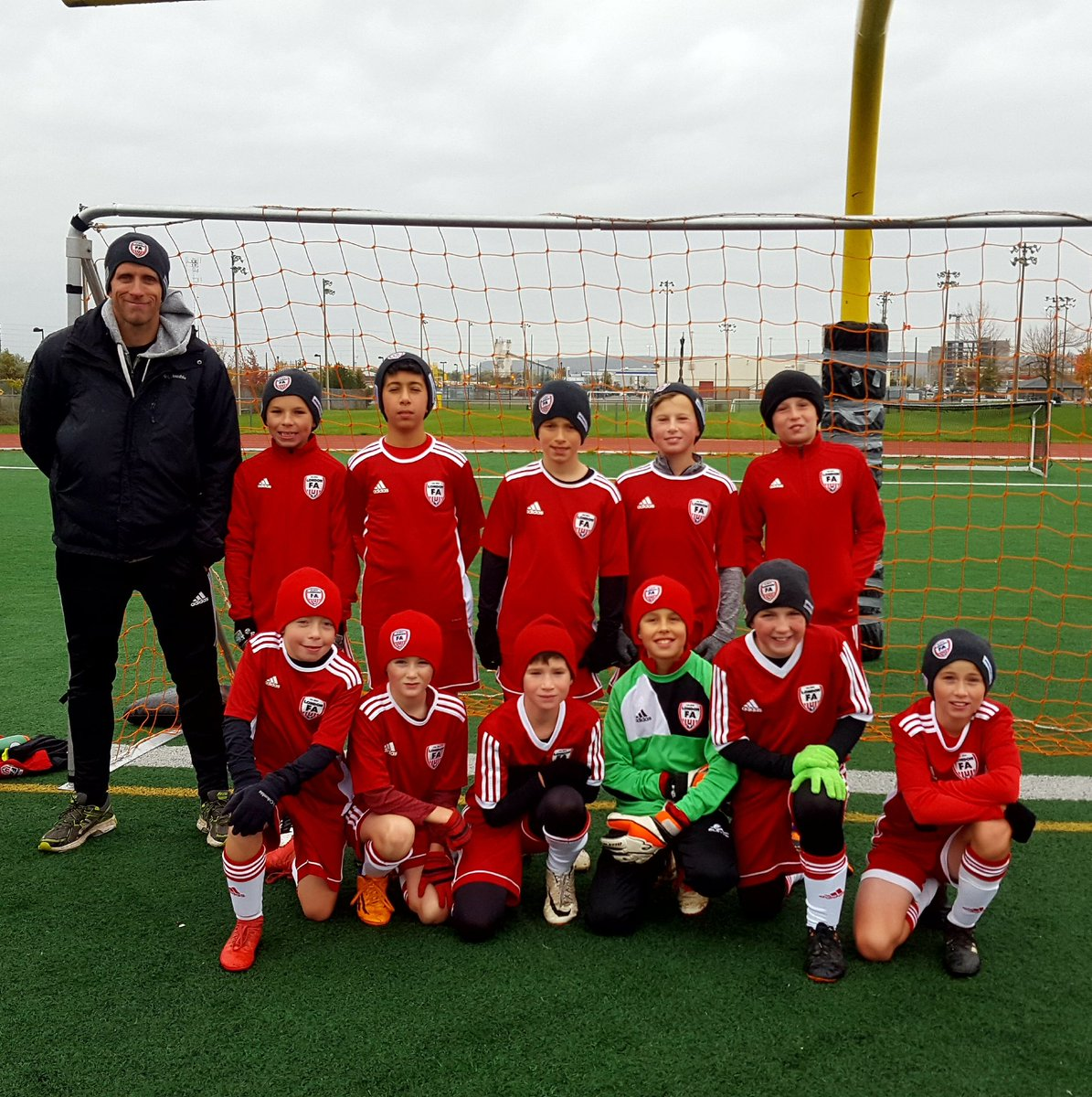 London FA 2007 boys finished their @SAACSoccer @OntarioIsSoccer #OASL outdoor season in Milton yesterday vs @PowerFCAcademy. Thank you coach Rick for a great #Soccer season, and for your years of dedication! #ThanksCoach #LdnOnt 👍⚽️🇨🇦