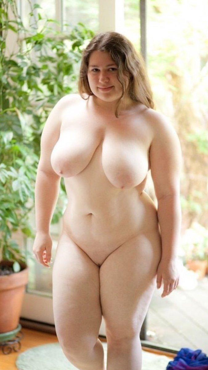 Порно дама с толстыми ляшками верхом