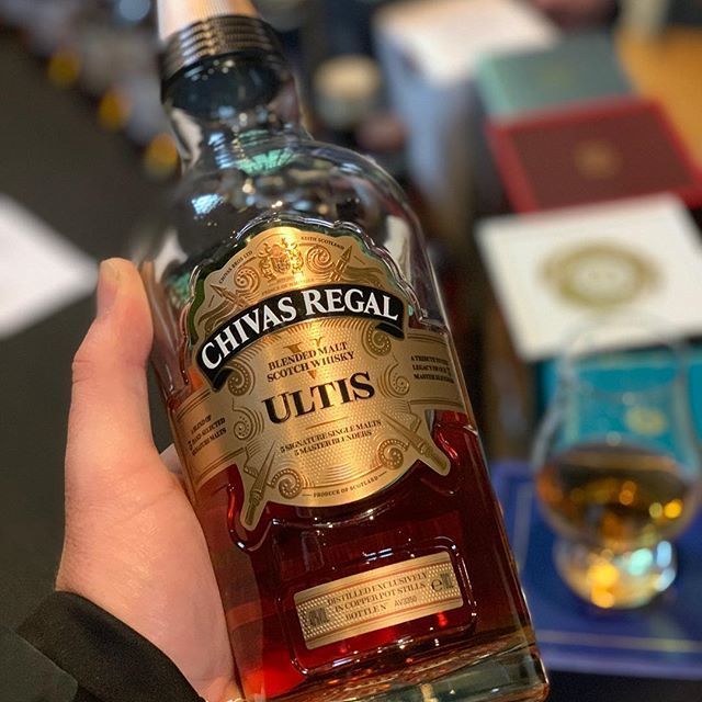 One of my standout drams from the #Manchester whisky show yesterday was this stunner from #Chivas... love this drop, cannot believe I have not bought a bottle yet. #christmaslist @chivasregal #whisky #blendedscotch @hyslopsandy  https:// ift.tt/2Q2geYm    <br>http://pic.twitter.com/UeQRI2p22q