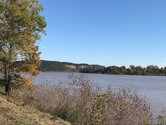 Beautiful 10 mile run through Emerald Park on the horizon along the Arkansas River. #running #ArkansasRiverTrail