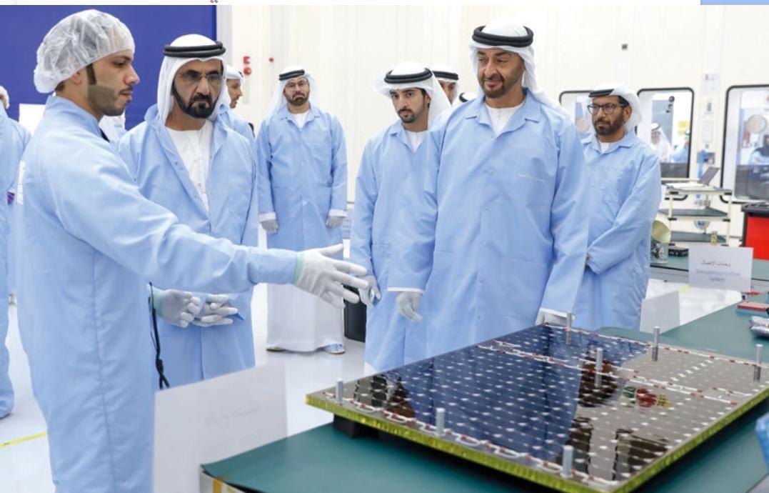 """""""خليفة سات"""" يدخل الإمارات عصر الصناعات الفضائية Dqp0lpdX4AAyEVC"""