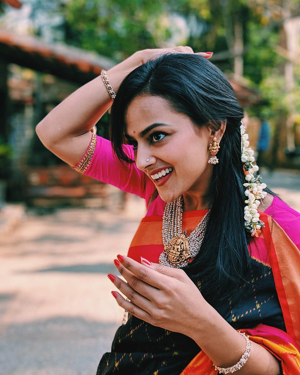 Sandalwood actress lucky and happy!