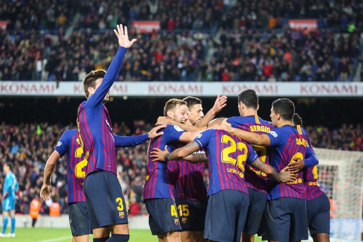 9e7d645e27cec Golejada per al record [FOTOGALERIA] http://ara.cat/_7e170764?s=t  #FCBarcelona #BarçaMadridpic.twitter.com/gl9sbYtunb