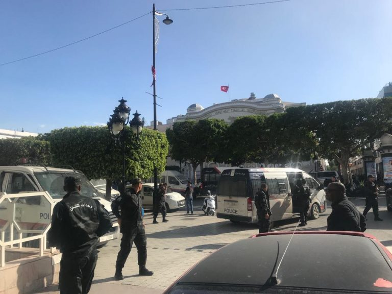 Suicide attack in Tunis: 'The police were in a state of panic'