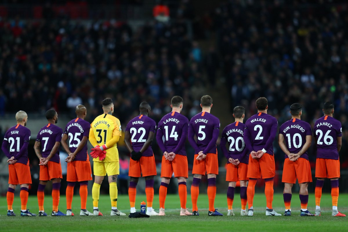 Hilo del Manchester City Dqs5HxvWkAAKzJH