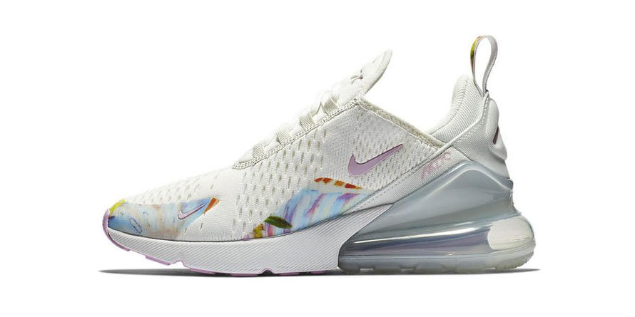 size 40 2f743 58472 Nike adds a dreamy floral accent to the Air Max 270. http   hypb.st uo7g8  pic.twitter.com 54LstkDUnk