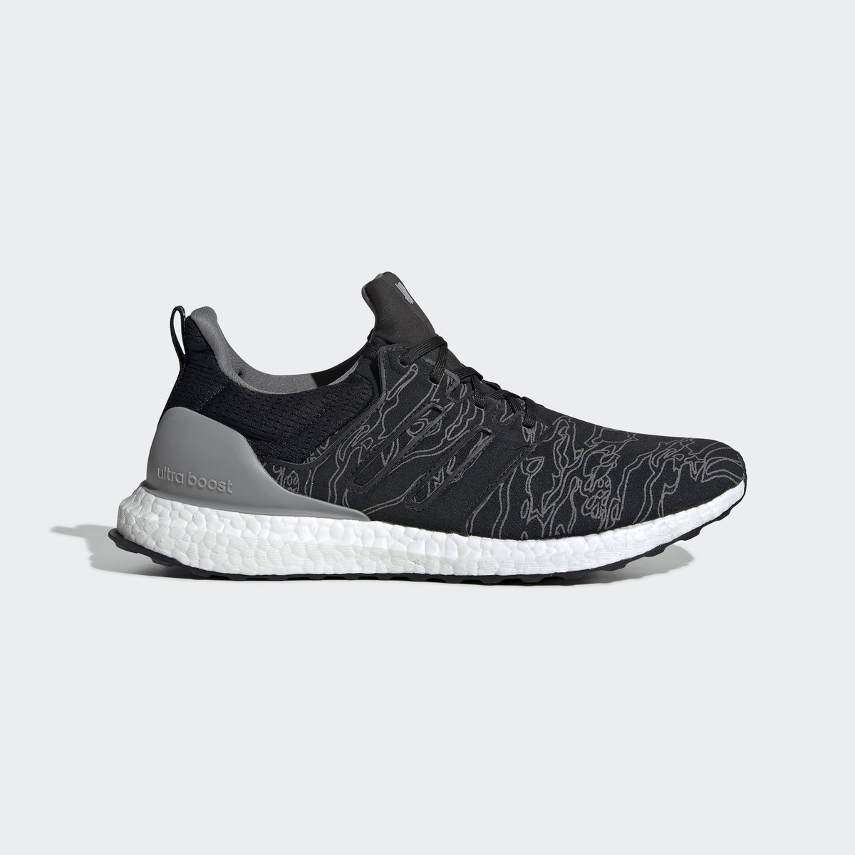 01a7b3a2d822 Official Images of upcoming UNDEFEATED x adidas Ultra Boost  Core Black   http   bit.ly 2CLZlgK pic.twitter.com fiEoJSC0zX