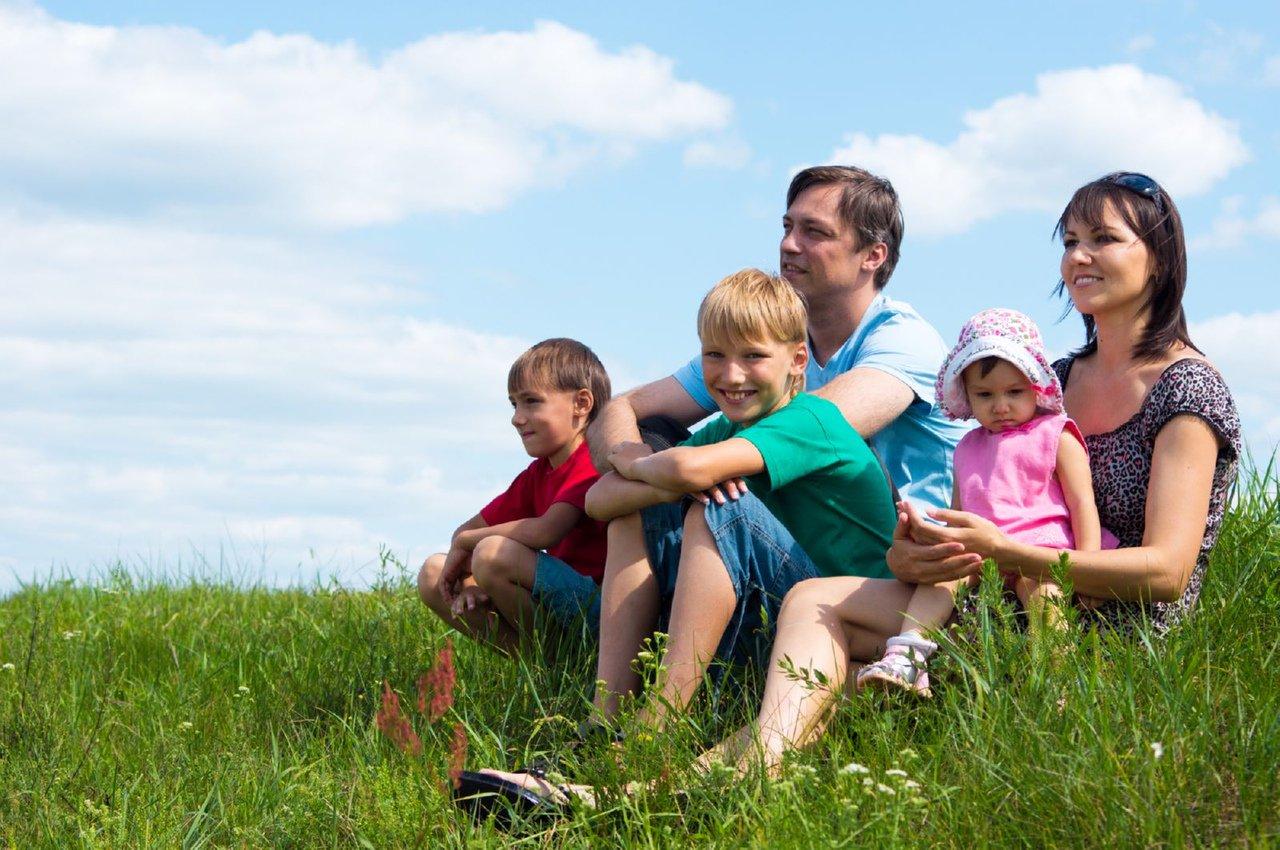 Придумай свой логотип для Года семьи в Югре!