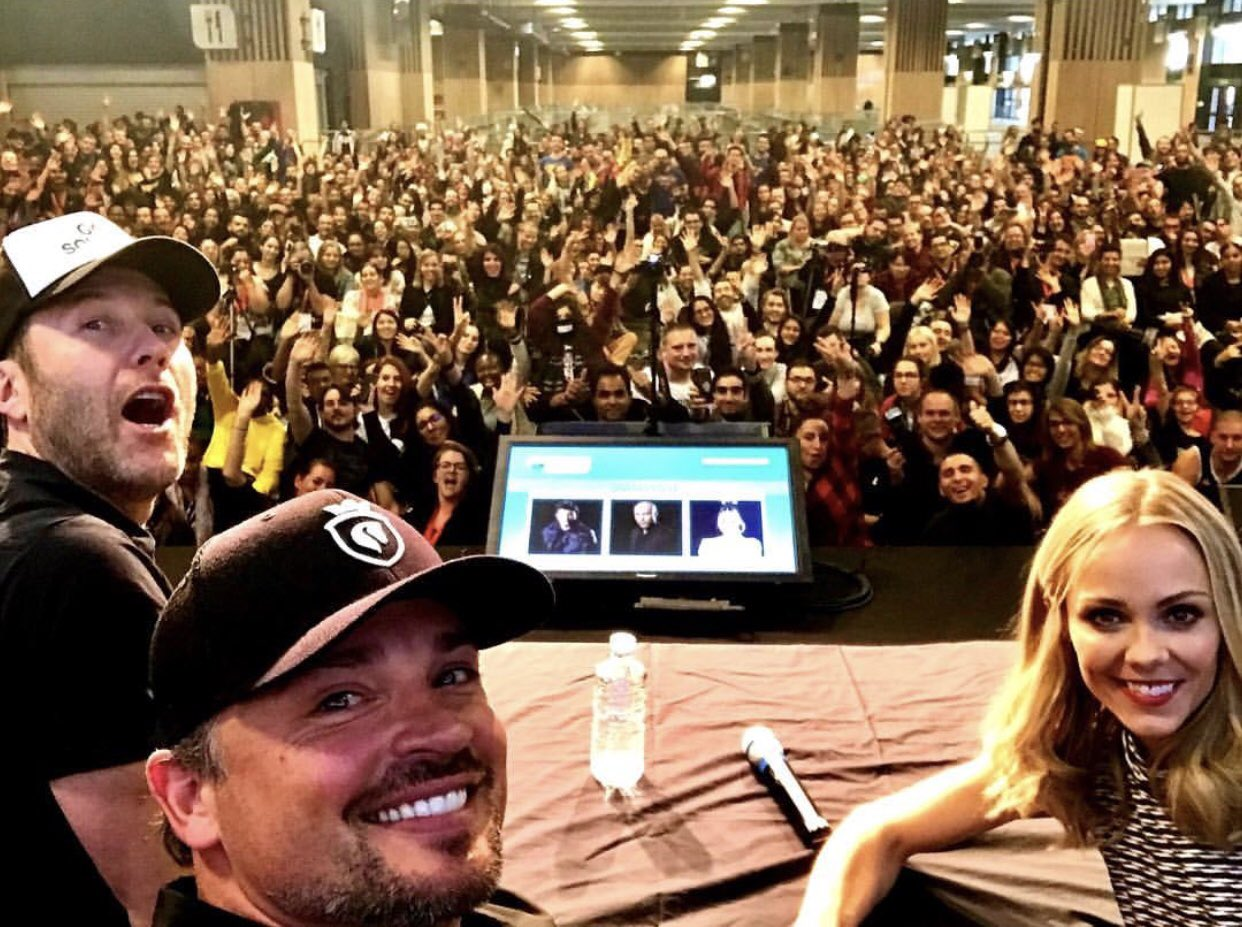 Great turn out in Paris for @ParisManga THANK YOU!!!! #smallville #tomwelling #rosenbaum https://t.co/De8jgEyJDq