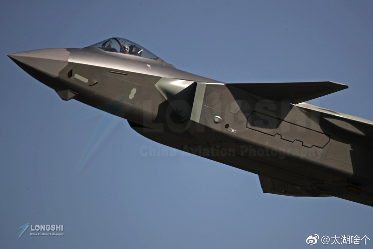 Chengdu J-20 Stealth Fighter - Page 7 DquFZqVU8AE57OT