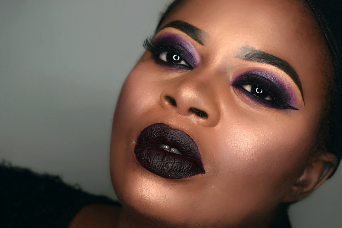 . . . #makeupforblackwoman  #maquillagepeaunoire  #maquillageyeux   #muadefrance  #makeupslave  #underratedmuas_   #fullcolor  #Younique  #avantgardemakeup   #underratedmuas  #colorfulmakeup  #pictorial  #cutecrease  #makeup  #maquillagepeauxnoires  #maquillagepeauxnoires  #makeupforblackwomen