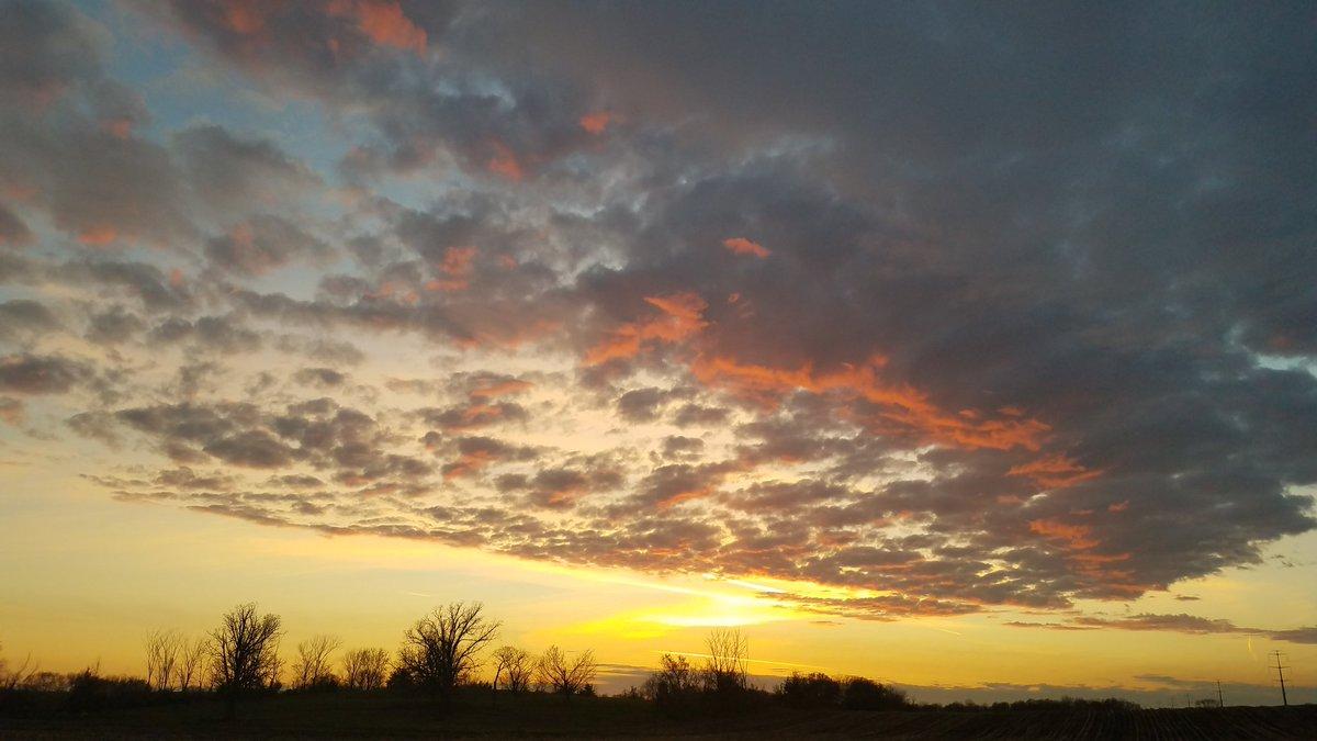 Last night in #CorcoranMN  #sunset #skyporn #ruralskies
