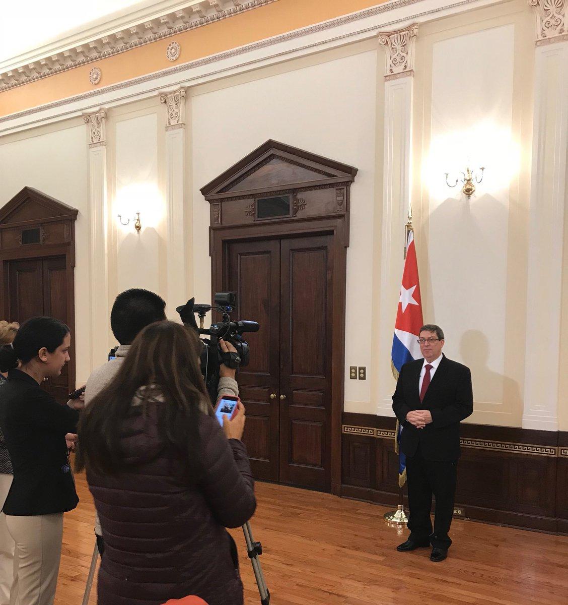 Canciller cubano denuncia maniobra yanqui