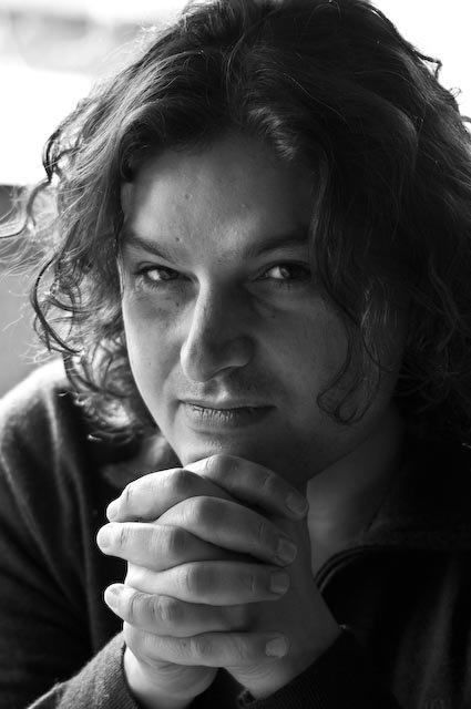 """RT @Scherzo_es La ópera de cámara """"Tenorio"""" de Tomás Marco llega al Teatro de la Maestranza https://t.co/hq8INpePkk"""