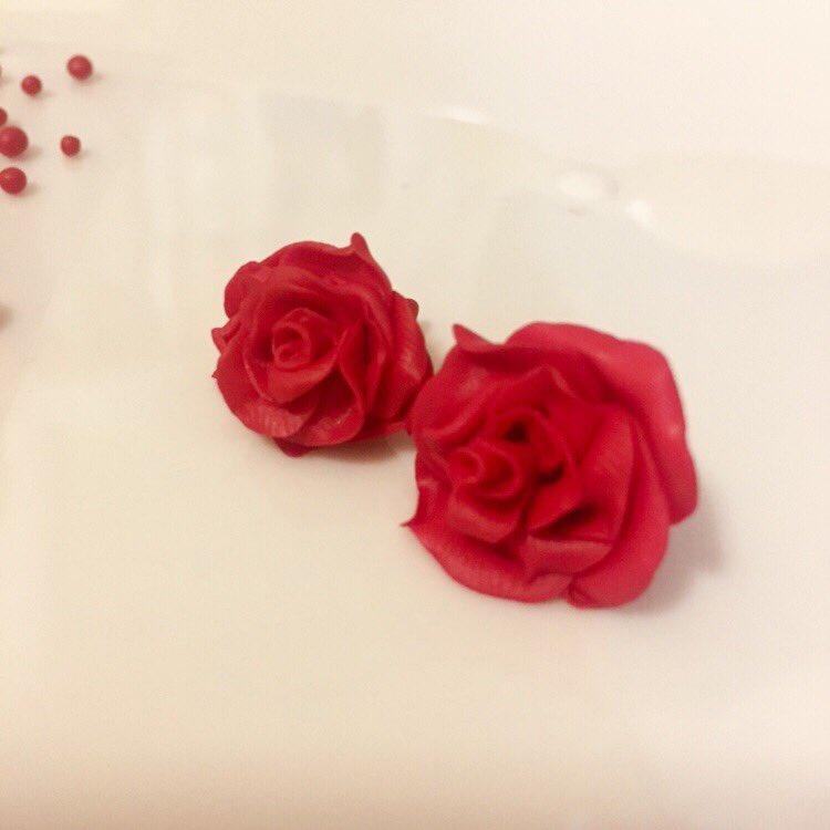test ツイッターメディア - ダイソー樹脂粘土でバラづくりー #ダイソー #樹脂粘土 #デコパーツ #ハンドメイド好きさんとつながりたい  #ハンドメイド #薔薇 https://t.co/uhQlWP7x2k