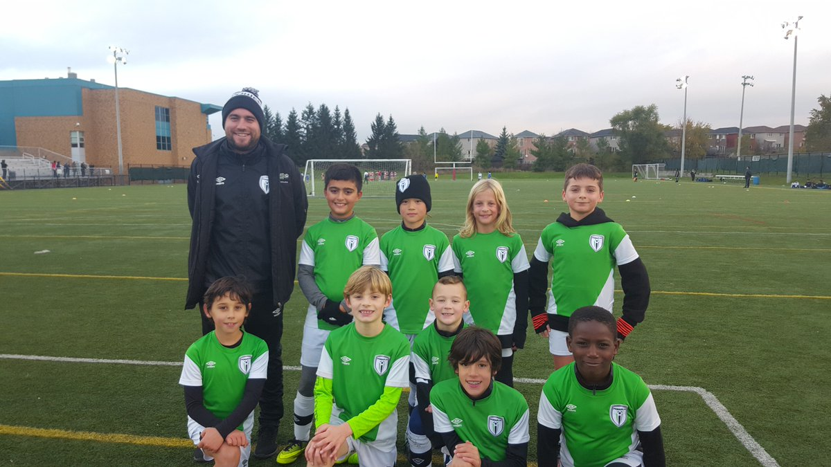 Power FC U9 team with Coach Justin, after their game vs DERO Academy, in Vaughan this past weekend. #Powerfc #OASL #buildingbetterplayers