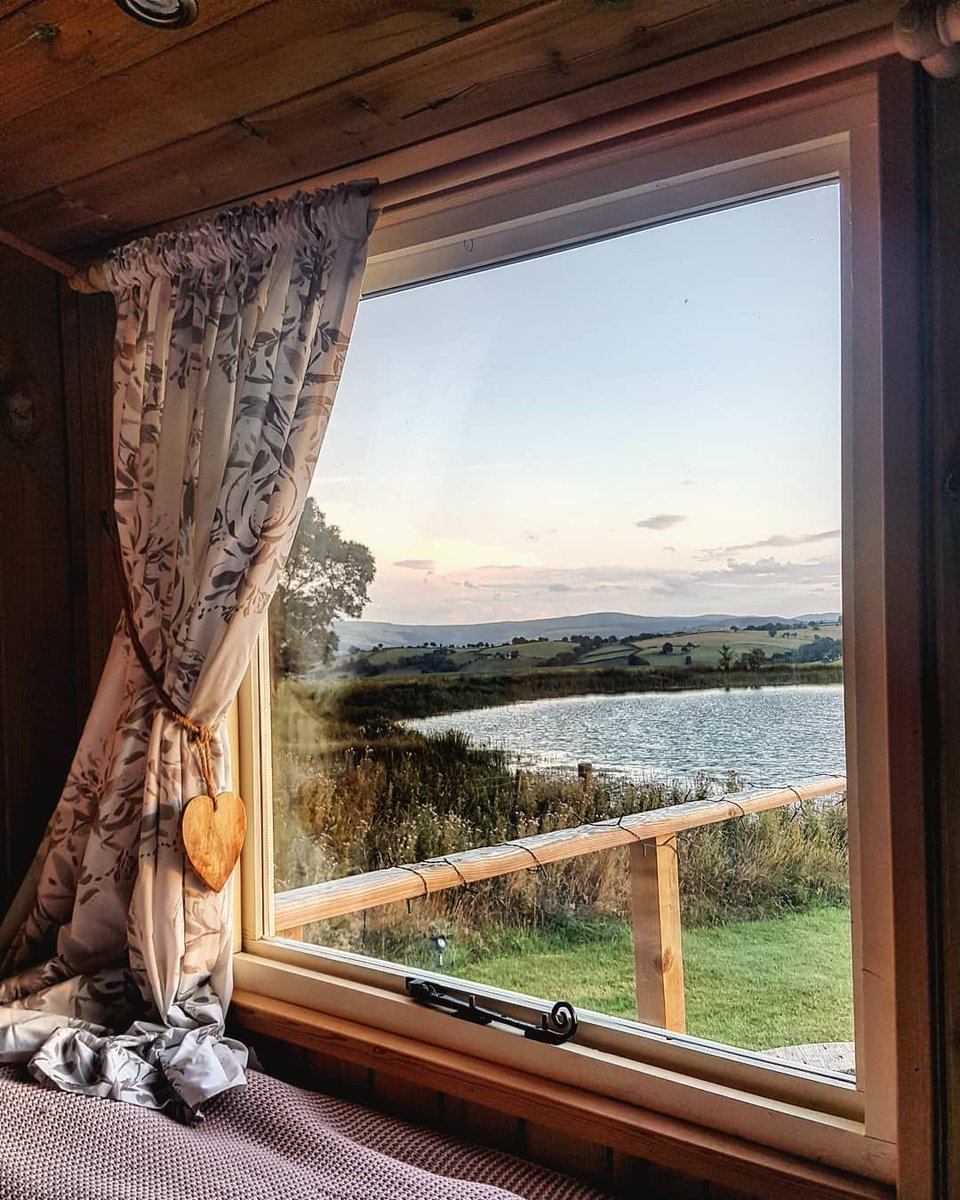 """airbnb france on twitter: """"ouvrez vos rideaux pour admirer la vue"""