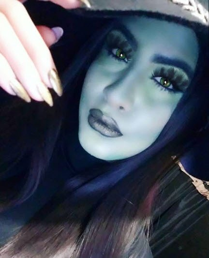 0c7d1ea5770 @howtomakeupbycoco customizes her Blowout lash in Pixie with