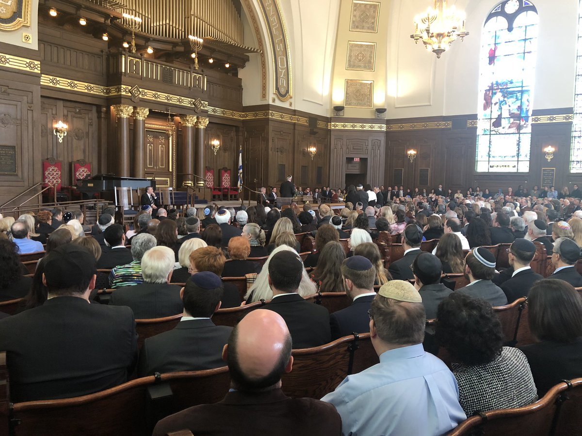 Very moving funeral for David + Cecil Rosenberg, brothers who were murdered for being Jews at a synagogue. May their memories forever be for a blessing. #PrayForPittsburgh