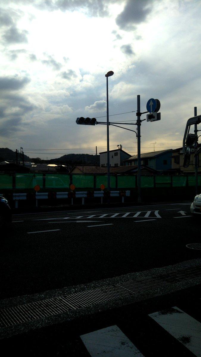 横須賀市の信号が代規模停電で機能していない現場の画像