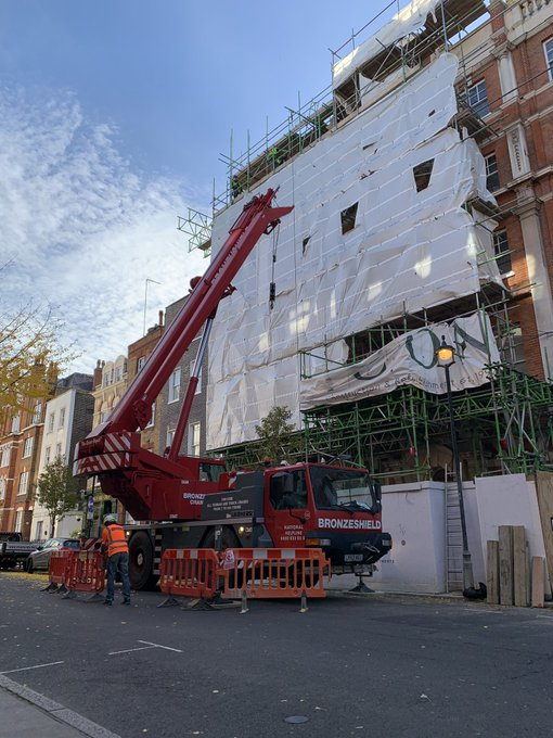 The sun was shining in central London today for the removal of the high level beam section! Photo